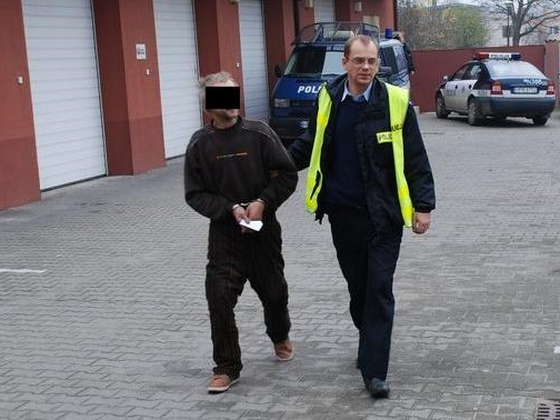 Aresztowali go gdy gotował obiad
